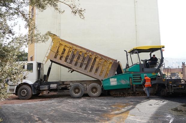 Kestel Belediyesi, sokak kısıtlamalarını fırsata çevirdi Kestel Belediyesi, sokak kısıtlamalarında asfalt mesaisine ara vermedi