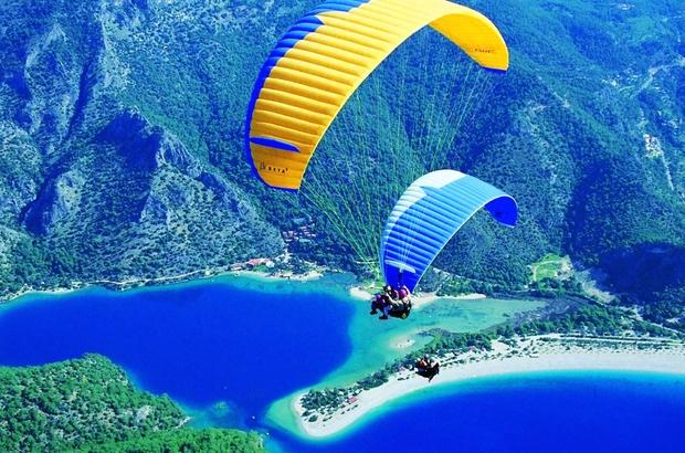 İki denizi kucaklayan Muğla spor turizminin de yıldızı Ege ve Akdeniz'in birleştiği Muğla, deniz, kum, güneş, kültür turizminin yanı sıra spor turizminin parlayan yıldızı oldu.