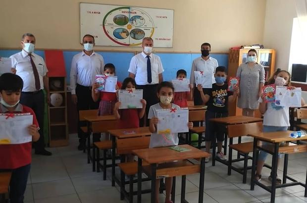 Aydın'da 177 bin öğrenci karne sevinci yaşadı