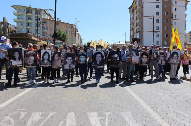 Madımak olayında hayatını kaybedenler anıldı Sivas'ta 2 Temmuz 1993 yılında Madımak otelinde yaşanan olaylarda hayatlarını kaybeden 37 kişi düzenlenen etkinlikle anıldı
