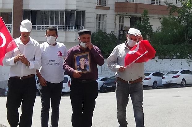 Evlat nöbetine katılan baba, oğlunu HDP'lilerden istedi