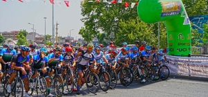 Grand Prix Erkekler yarışı kentin zirvesiyle start aldı 20 Ülkeden 200'e yakın sporcu katıldı