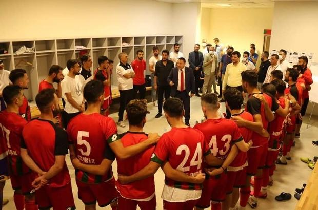 Belediye başkanının rakip takımın oyuncularına başarılar dilemesi taktirle karşılandı
