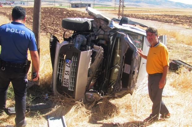 Gaziantep'te hafif ticari araç takla attı: 5 yaralı