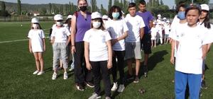 """7 branşta 250 sporcu çalışmalara başladı Bilecik Gençlik ve Spor İl Müdürü Yasin Özdemir; """"Yaz spor okullarının çocukların spor yapması için bir şans"""""""