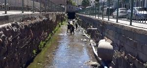 İslahiye Belediyesinden dereleri ıslah çalışması