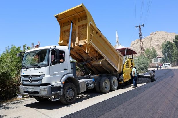 Van Büyükşehir Belediyesinden asfalt ve kaldırım çalışması