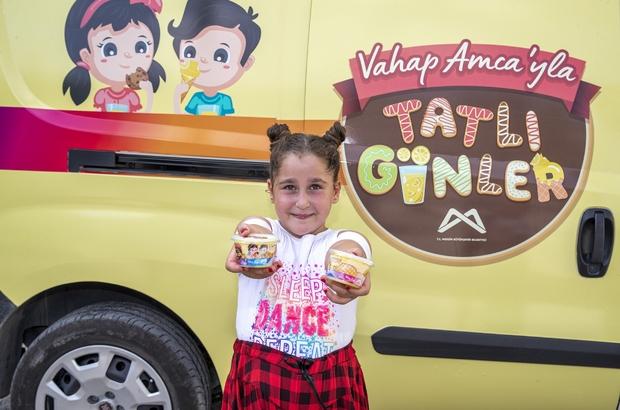 Mersin'de belediyeden çocuklara her gün 3 bin dondurma