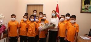 Yerköyspor Futbol Akademisi'nden Yahyalı Devlet Hastanesi'ne ziyaret