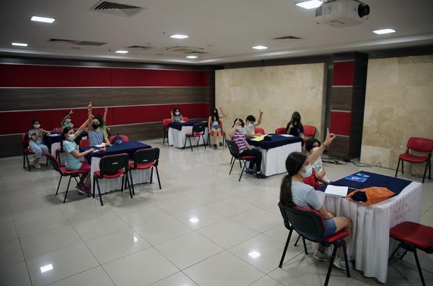 Büyükşehir Konservatuarında eğitimler devam  ediyor Muğla Büyükşehir Belediyesi'nin 2016 yılında kurduğu konservatuarda eğitimler devam ediyor.
