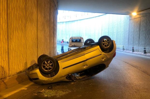 Islak yolda kayan araç ters döndü: 1 yaralı