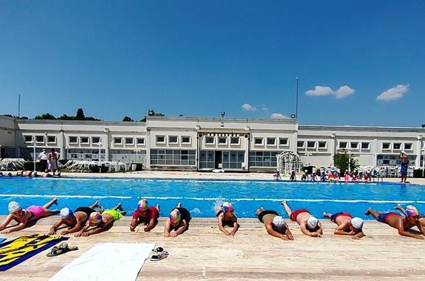 Yunusemre Belediyesinde yüzme kursları başladı