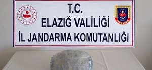 Elazığ'da 2,5 kilo esrar ele geçirildi