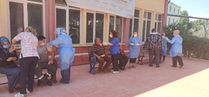 Gaziantep'te esnaf ve sanayi çalışanları aşılanıyor