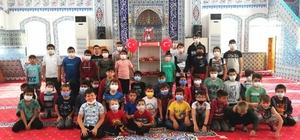 Camide Bakkal projesi çocukların gönlünü fethediyor Yapılan bağışlar sayesinde Kur'an kursu öğrencileri teneffüslerde istedikleri yiyecekle buluşuyor