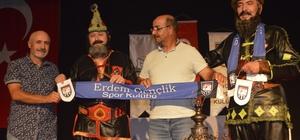 Erdem Gençlikspor Kulübü öğrencileri Hacivat ile Karagöz'ü tanıma imkanı buldu