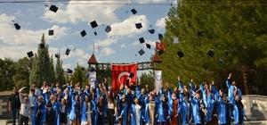 Gediz Meslek Yüksekokulunda mezuniyet heyecanı