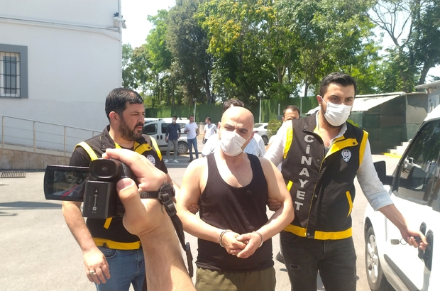 Bursa'da rehine operasyonunun şüphelisi adliyeye sevk edildi Madde bağımlısı şahsı etkisiz hale getiren özel harekat ekipleri, 2 rehineyi kurtardı