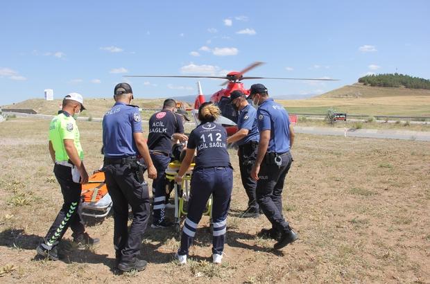 Sivas'ta otomobil ile hafif ticari araç çarpıştı; 6 yaralı