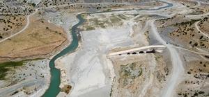 Altından suların aktığı tarihi köprü sular altında kalacak Restorasyonu biten tarihi köprü, 2022 yılının sonunda Çetintepe Barajı'nın suları altında kalacak