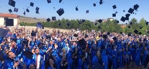 DPÜ İktisadi ve İdari Bilimler Fakültesi'nde mezuniyet sevinci