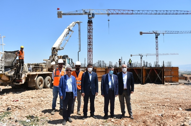 Şehzadeler'de TOKİ inşaatı başladı