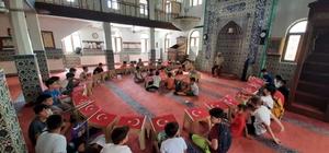 Yaz Kur'an kursu öğrencileri, 15 Temmuz Şehitlerini andı