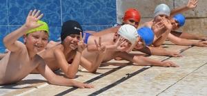 Bozüyük'te 600 çocuk yüzme kursuna başladı