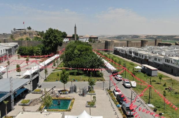 Diyarbakır Kurşunlu Meydanı 15 Temmuz etkinlikleri için hazır