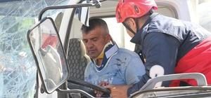 Manisa'da zincirleme kaza: 3 yaralı Bayram trafiği kazayı beraberinde getirdi