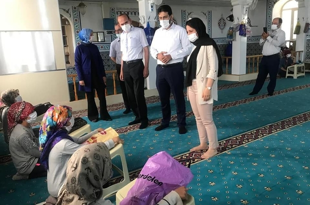Kaymakam ve Başkan Yaz Kur'an Kursu öğrencilerini ziyaret etti