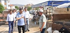 Başkan Öz hayvan pazarını ziyaret etti