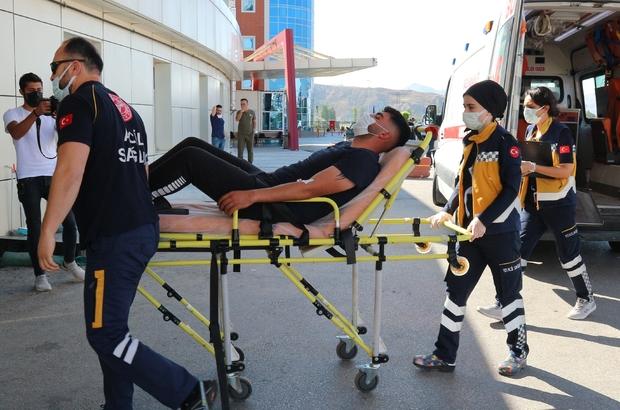 Acemi kasaplar hastanelere akın etti Sivas'ta Kurban Bayramının ilk gününde kazara çeşitli yerlerinden yaralanan acemi kasaplar hastanelere akın etti