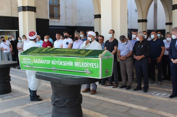 Cesedi Fırat'ta bulunan Usalp'ın cenazesi defnedildi Gaziantep Büyükşehir Belediyesi Fen İşleri Daire Başkanı Sevda Usalp'ın acı günü