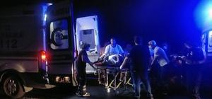 Bayram yolunda feci kaza: 9 yaralı Traktör ile otomobil çarpıştı