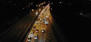 Kurban Bayramı dönüşü TEM Otoyolu'nda trafik yoğunluğu Sakarya geçişinde trafik yer yer durma noktasına geldi Oluşan yoğunluk havadan da görüntülendi