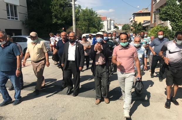 71 Evler Pazarı'nda sorun çözülemiyor Mahalle sakinleri pazarın açılması için bu sabah da bir araya geldi