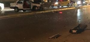 Kaza yapınca ortadan kayboldu Direksiyon hakimiyetini kaybeden sürücü aydınlatma direğine çarptı