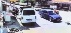 Bir anda yola fırlayan çocuğa araç çarptı Yola fırlayan çocuğa aracın çarpma anları bir işyerinin güvenlik kamerasına yansıdı