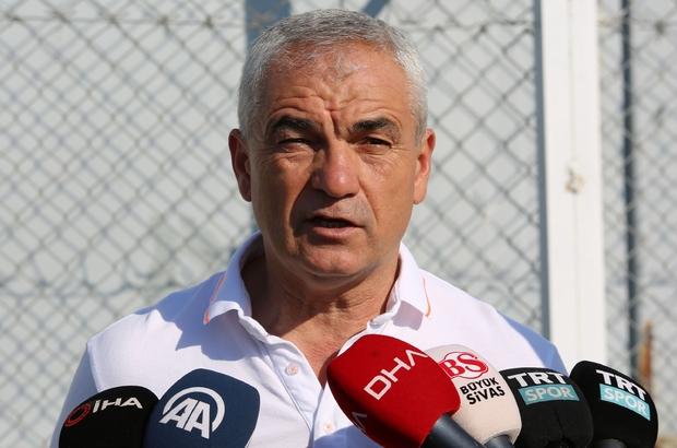 """Çalımbay: """"Petrocub maçına yüzde yüz konsantreyiz"""" Sivasspor teknik direktörü Rıza Çalımbay """"Yüzde yüz konsantreyiz"""" """"Bir orta saha oyuncusu alacağız"""""""