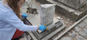 (ÖZEL) 19. yüzyıla ait tarihi mezar taşları onarıldı 19 mezar taşı restoratörlerin titiz çalışmasıyla eskisi gibi oldu