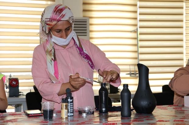 Şanlıurfalı kadınlar boş zamanlarını kurslarda değerlendiriyor Şanlıurfalı kadınlar hem meslek öğreniyor hem de para kazanıyor