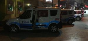 (Düzeltme) Bıçak ve sopalı kavgada kan aktı: 1 ölü, 5 yaralı Manisa'nın Alaşehir ilçesinde iki aile arasında bıçak ve sopaların kullanıldığı kavgada 1 kişi hayatını kaybetti, 5 kişi de yaralandı