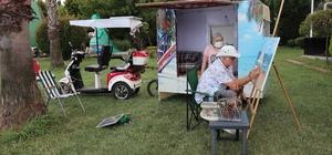 Her şeyi Parkinson hastası eşi için yaptı Sevdiği kadını rahat ettirebilmek için güneş enerjisi ile çalışan karavan yaptı Hem elektrikli bisikletin, hem de karavanın enerjisini güneş panellerinden sağlıyor