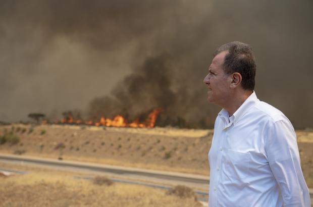 Başkan Seçer, Silifke ve Aydıncık'taki yangın bölgelerini inceledi Büyükşehir Belediyesi, yangından etkilenen vatandaşlara sıcak yemek ulaştırdı. Yemek dağıtımının önümüzdeki günlerde de süreceği bildirildi
