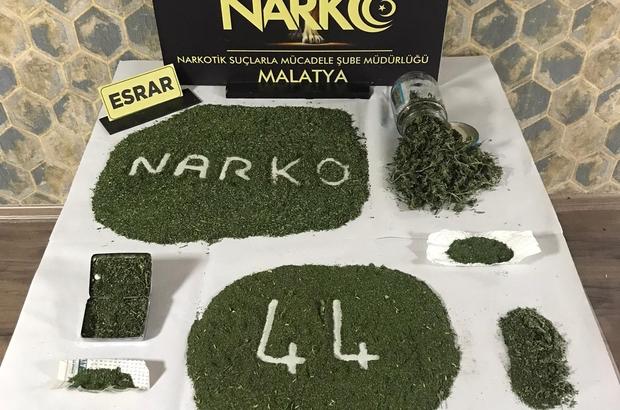Malatya'da zehir tacirlerine büyük darbe Yaklaşık 2 kilo esrar maddesi ele geçirildi