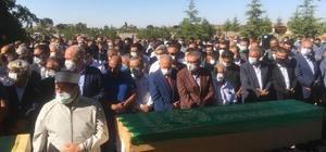 Konya'da katledilen 7 kişi son yolculuğuna uğurlandı Cenaze törenine Adalet Bakanı Abdulhamit Gül ile AK Parti Genel Başkanvekili Numan Kurtulmuş da katıldı
