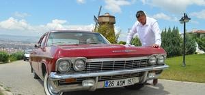 Sıfır araç fiyatına aldığı 1965 model klasik otomobiline gözü gibi bakıyor Para biriktirip 56 yaşındaki otomobili 100 bin TL'ye aldı