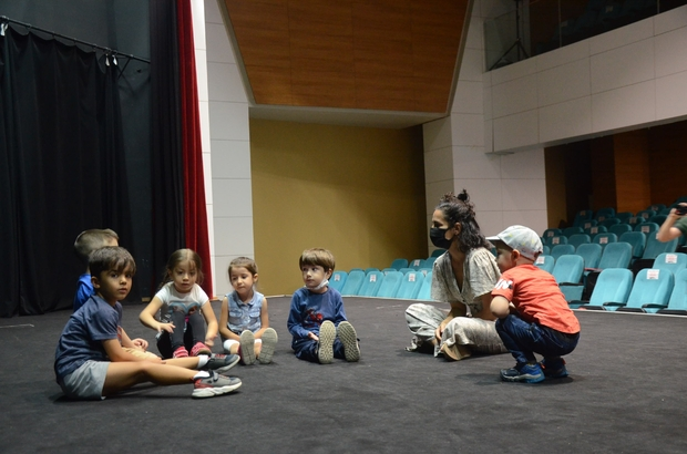 Bozüyük Belediye tiyatrosu hizmet vermeye başladı