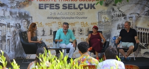 Selçuk'ta 14. Türkiye Tiyatro Buluşması devam ediyor